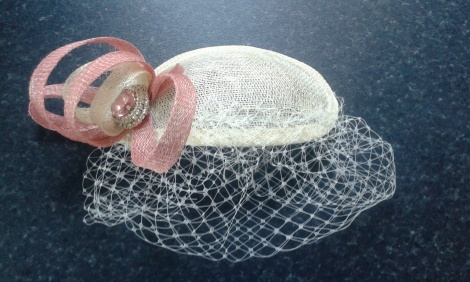 My finished fascinator, complete with bling!